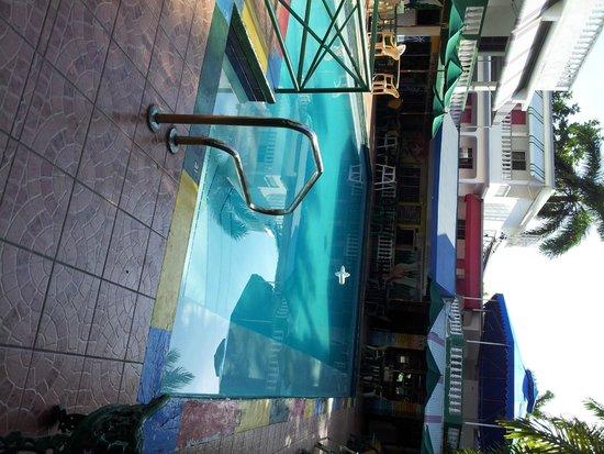 Hotel Gloriana & Spa: Pool area