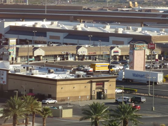 Sunset Station Hotel and Casino: view from our room: lots of shopping and services close by