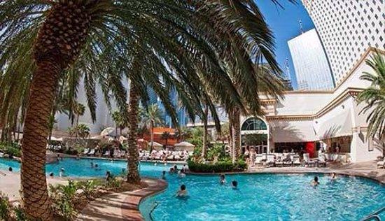 Monte Carlo Resort & Casino : Monte Carlo pool