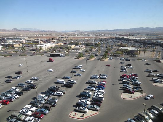 Sunset Station Hotel and Casino: view from room: plenty of parking at hotel, shopping in background