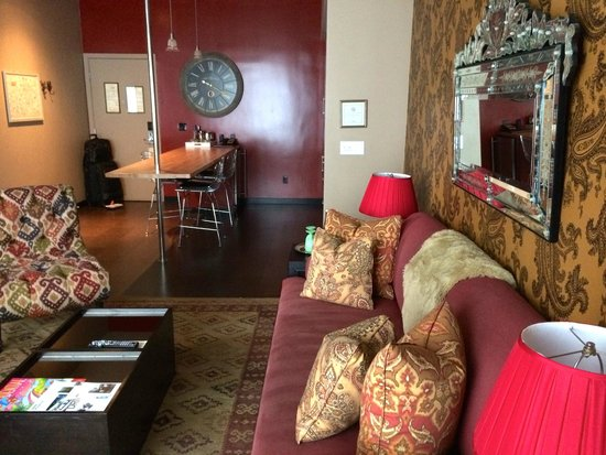 The Redbury Hollywood: Lounge