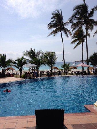 Sari Pacifica Hotel, Resort & Spa - Redang Island : Uitzicht vanaf eetzaal.