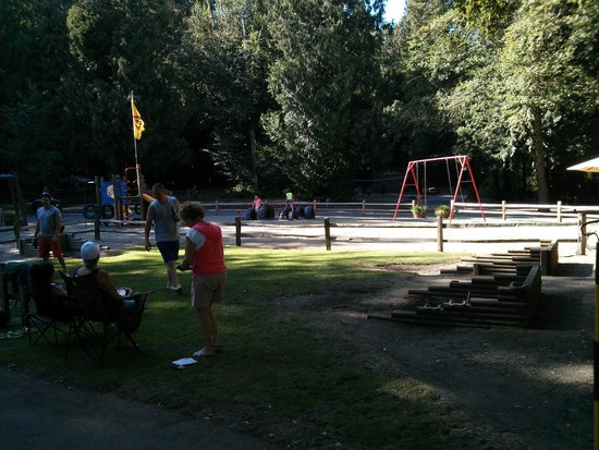 Lynden / Bellingham KOA: Play Area and Horseshoes
