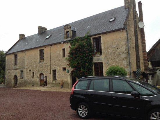 La Ferme de l'Eglise: One of the buildings (B&B)