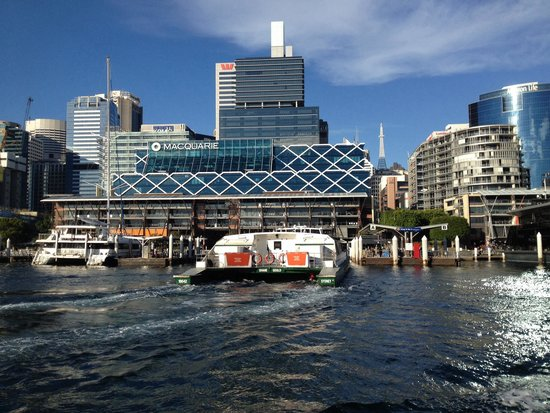 Darling Harbour : Ferry drop off
