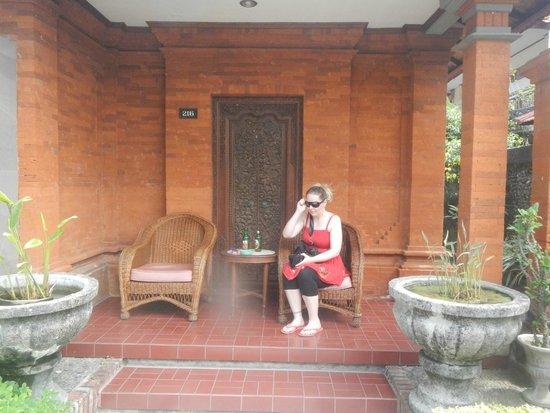 Kuta Beach Club Hotel: outside our room