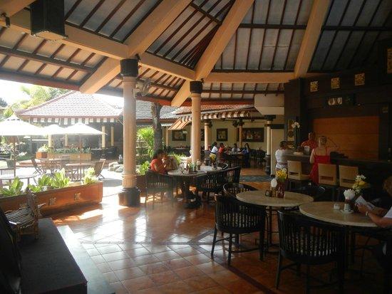 Kuta Beach Club Hotel: restaurant