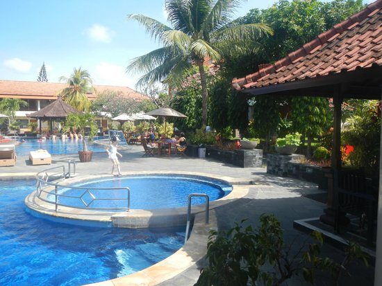 Pool picture of kuta beach club hotel kuta tripadvisor for Kuta beach hotel
