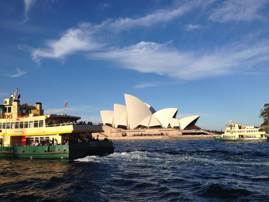 Sydney Opera House: Can't get anymore beautiful than this!