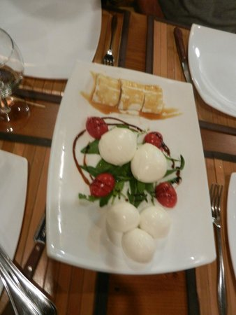 Inn Bufalito Taverna Mediterranea: Tasting platter x2