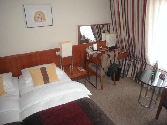 K+K Hotel Opera: Normal Doubleroom with Aircon