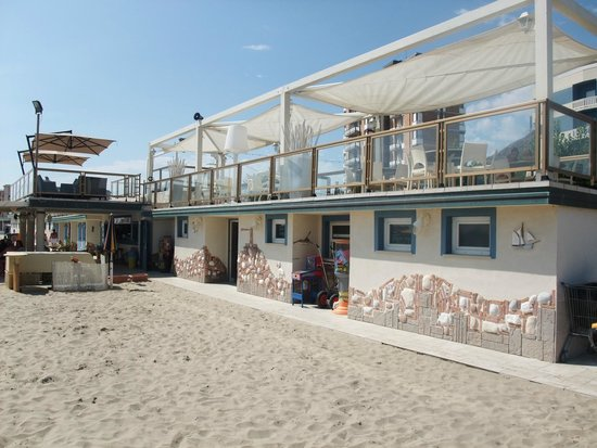 Grand Hotel Azzurra Club : Strandbar