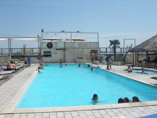 Grand Hotel Azzurra Club : Poolanlage