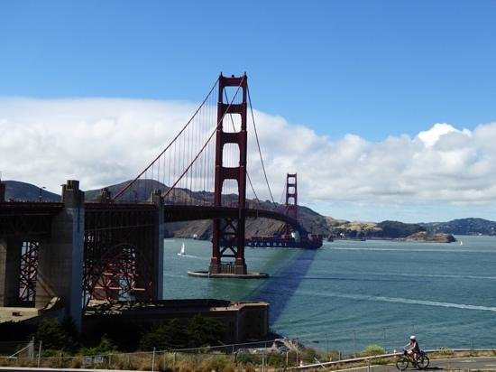 Via Air Tours: Golden Gate Bridge