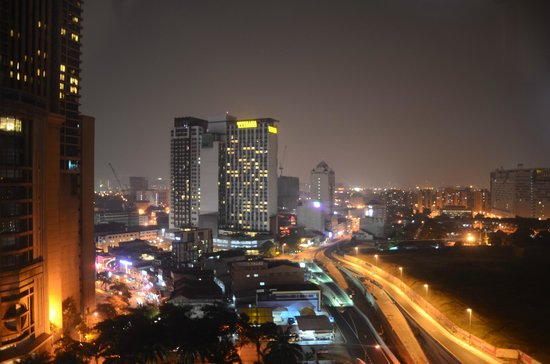 Metro Hotel : View from my room window at night
