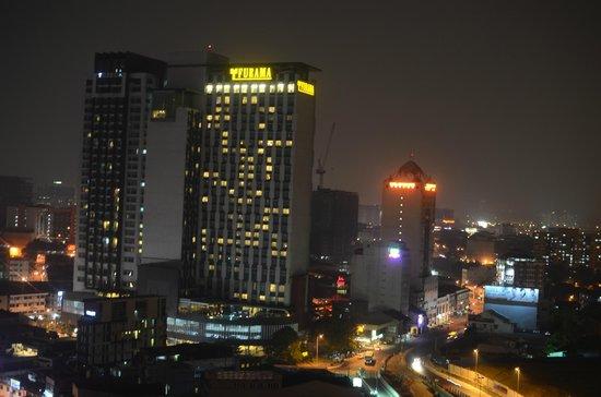 Metro Hotel : Outside my Window