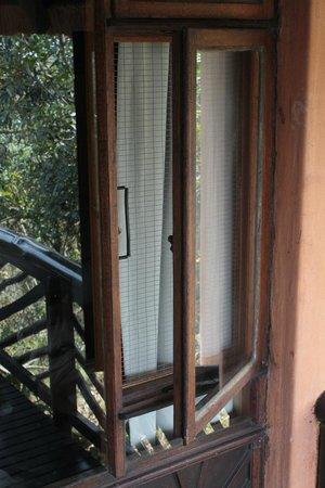 Hilltop Camp: aapveilig raam