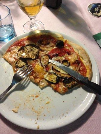 Ristorante Il Pozzo Degli Etruschi: Pizza végétarienne (la meilleure du séjour)