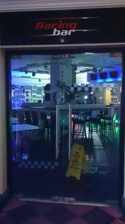 Mercure Dartford Brands Hatch Hotel & Spa: sports bar