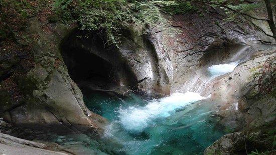 Nishizawa Canyon: 母胎渕