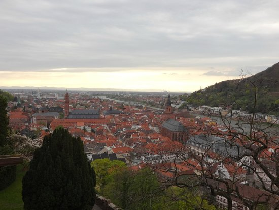 Schloss Heidelberg: view of the city from the Castle