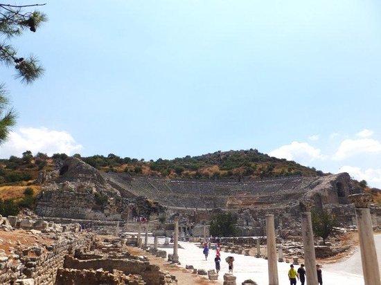 Ephesus Theatre : 全景