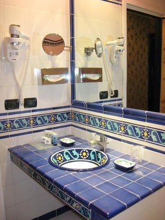 Grand Hotel Ritz: Ванная комната