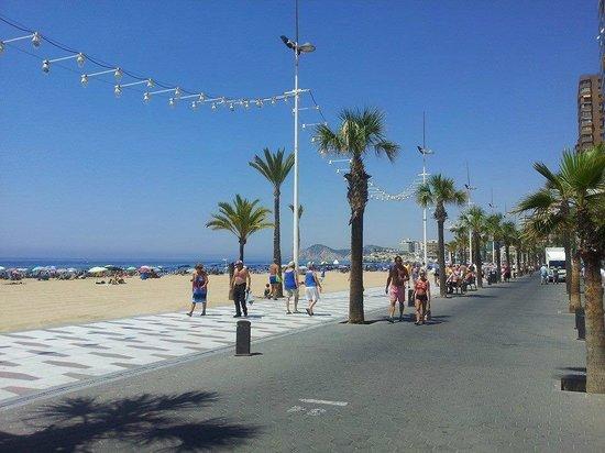 Hotel Tropic Relax: Benidorm Beach