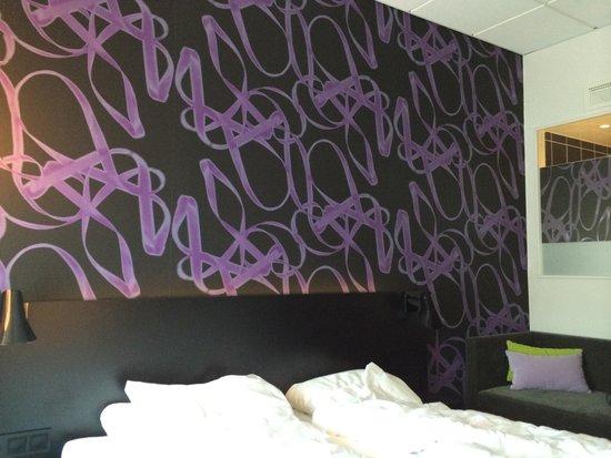 Comfort Hotel Union Brygge: Fin fargebruk og designelementer.