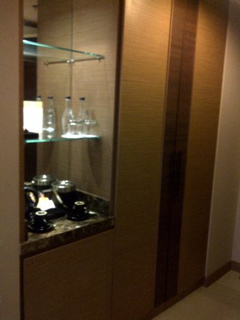 The Berkeley Hotel Pratunam: habitacion