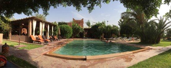 La Villa Kacy : Panoramic view on the pool