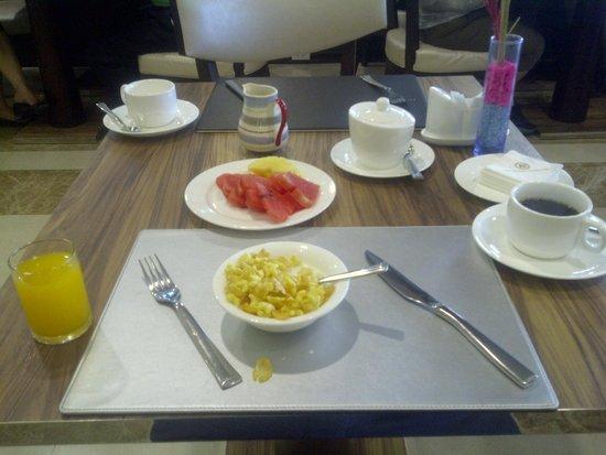 The Berkeley Hotel Pratunam: desayuno