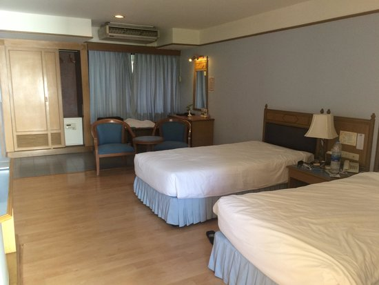 Silom Village Inn: Room No 445 1