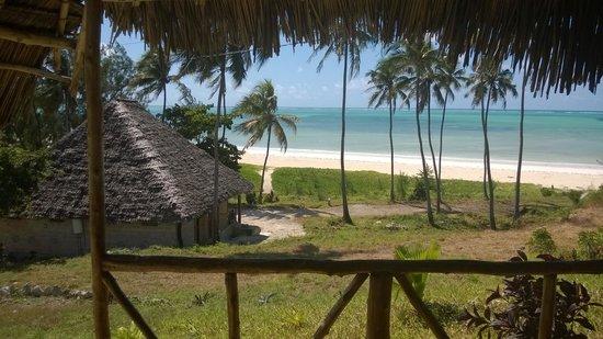 Domokuchu Beach Bungalows : view from one standard banda