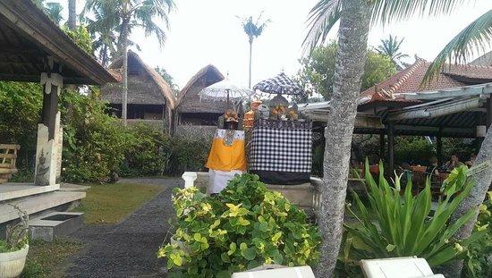 Anom Beach Inn Bungalows : Bungalows
