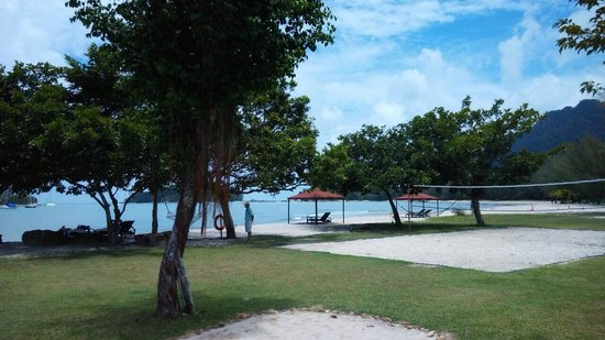 The Danna Langkawi: Beach and recreation area