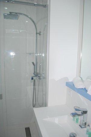 Hotel Beaurivage: salle de bain