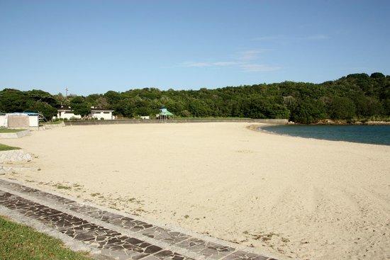 Hotel Kintetsu Aquavilla Ise Shima: Larger local beach