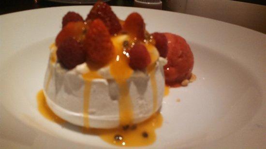 Park Hyatt Saigon: Pavlova dessert from SquareOne