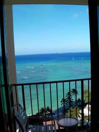 Waikiki Parc Hotel: ラナイに出ると気持ちいい。