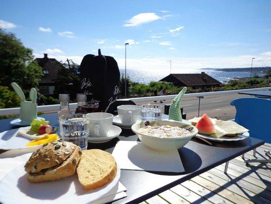 Sandkaas Badehotel: Dejlig morgenmad i smukke omgivelser