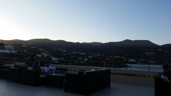 Mirabello Beach & Village Hotel : Upstairs bar