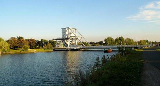 Camping Les Hautes Coutures: The Pegasus Bridge