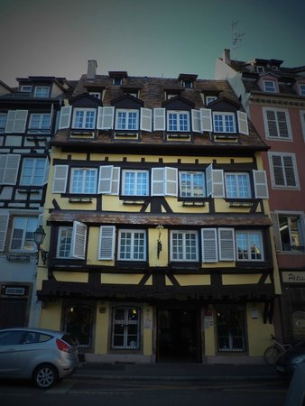 Logis Hôtel Au Cerf d'Or : cerf