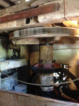 Stretton Watermill: main wheel in action