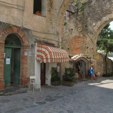 Enotavola - Wine bar - Palazzo della Marra : Entrata