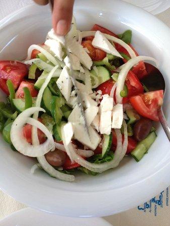 Fainos Restaurant : famous Greek salad(Kheryatoki)