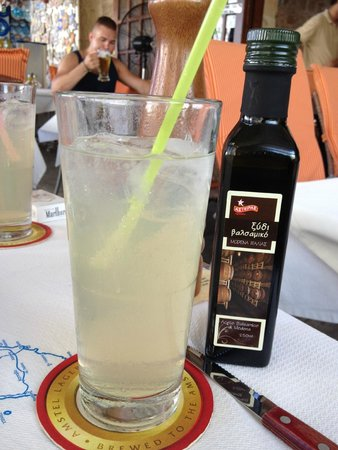 Fainos Restaurant : lemonade that refreshes you day after the long walk