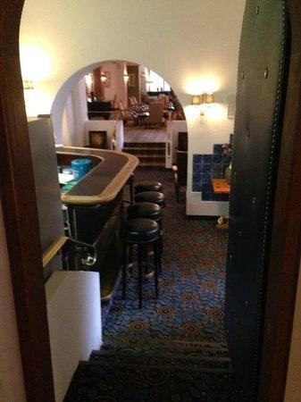 Morosani Schweizerhof Davos: Cozy bar