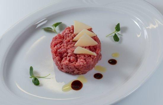 Restaurant Roberts im Felsenkeller: BATTUTA AL COLTELLO - PIEMONTESER TATAR